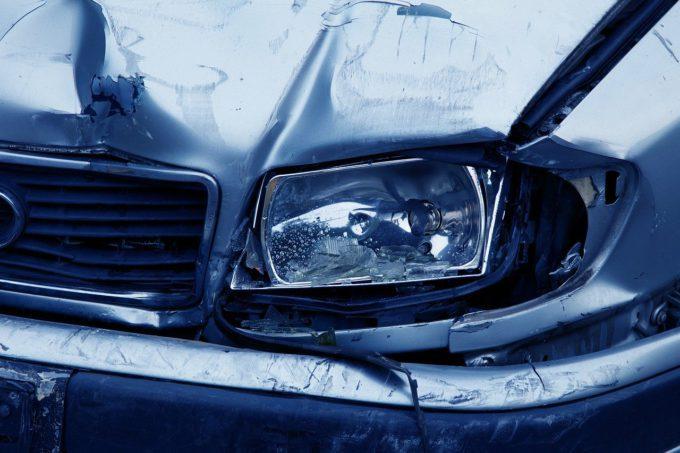 Jak skutecznie zaoszcz臋dzi膰 na OC AC auta - por贸wnywarka ubezpiecze艅